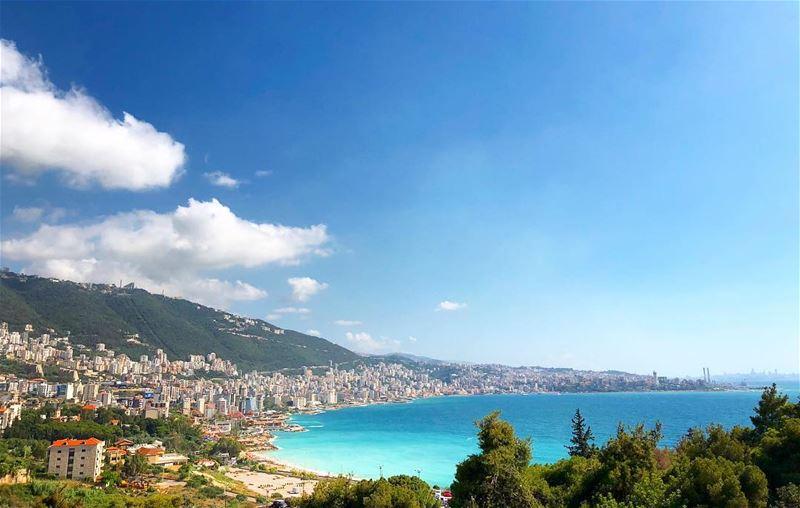 Jounieh snapshot •••• iphonex lebanonspotlights lebanoninapicture ... (Casino du Liban)