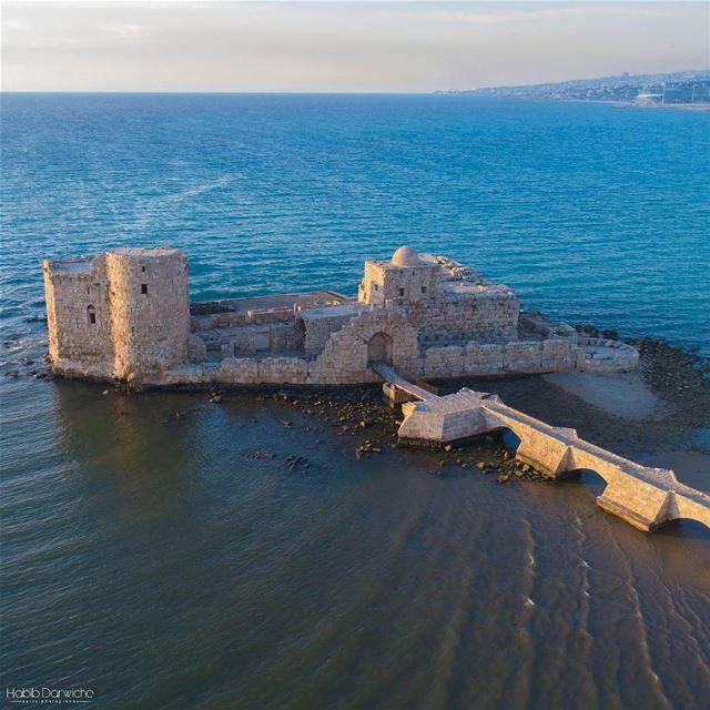 O Castelo do Mar foi construído pelos cruzados no século XIII como uma... (Sidon Sea Castle)