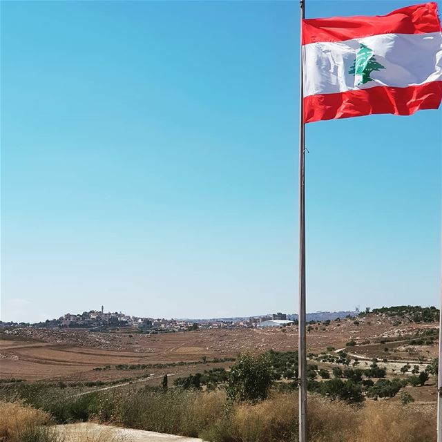 yaroun  yarounday  lebanon  flag  south  livelovesouth  village ...