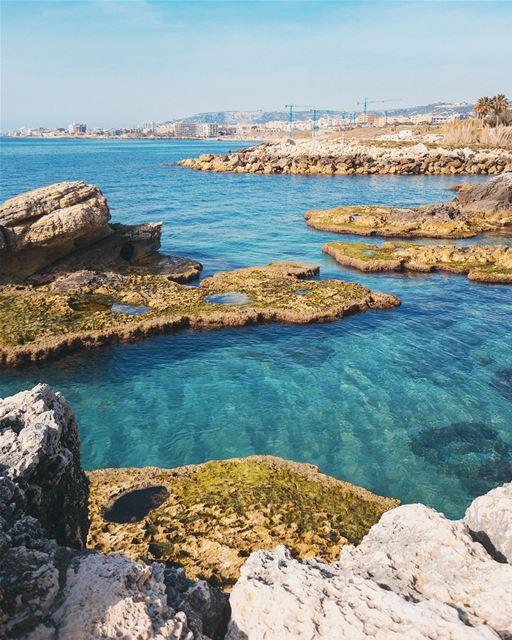 Kfarabida 🌊...... theglobewanderer blue sea water red yellow ... (Batroûn)