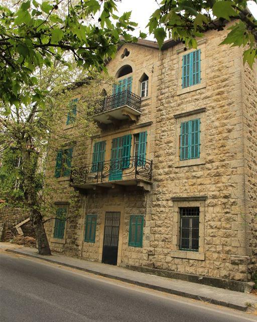 🔹SAWFAR 🏘️ 🏫 LEBANON 🔹________________________________________... (Sawfar, Mont-Liban, Lebanon)