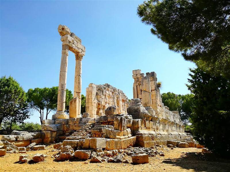 Qasr Naous Roman Temple lebanon ... (Nâous, Liban-Nord, Lebanon)