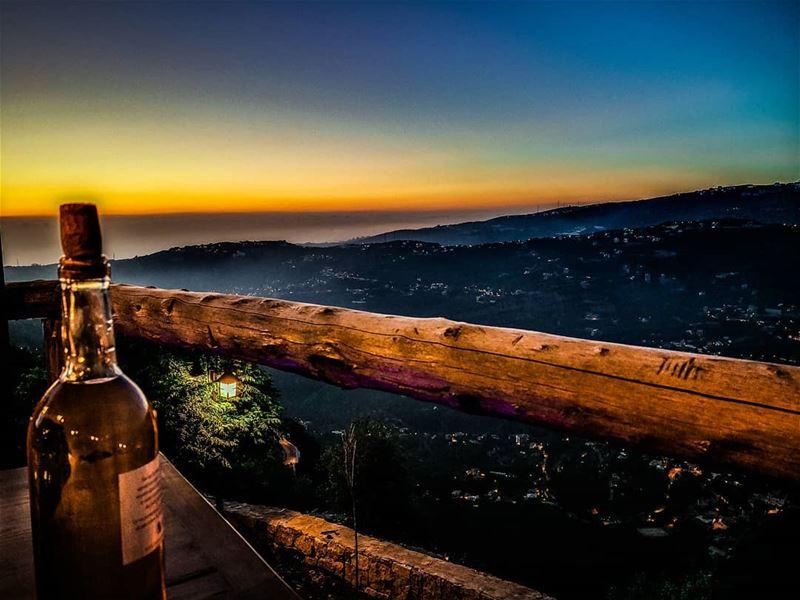 @ig_masterpiece @topsunsetshots @sky_sultans @ig_fotogramers @worldwidecapt (Château Sainte-Andrée)