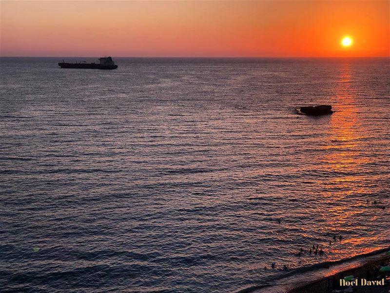 Quand tu souris.....Instantané..... sunset lebanesesunset ... (Amchit)