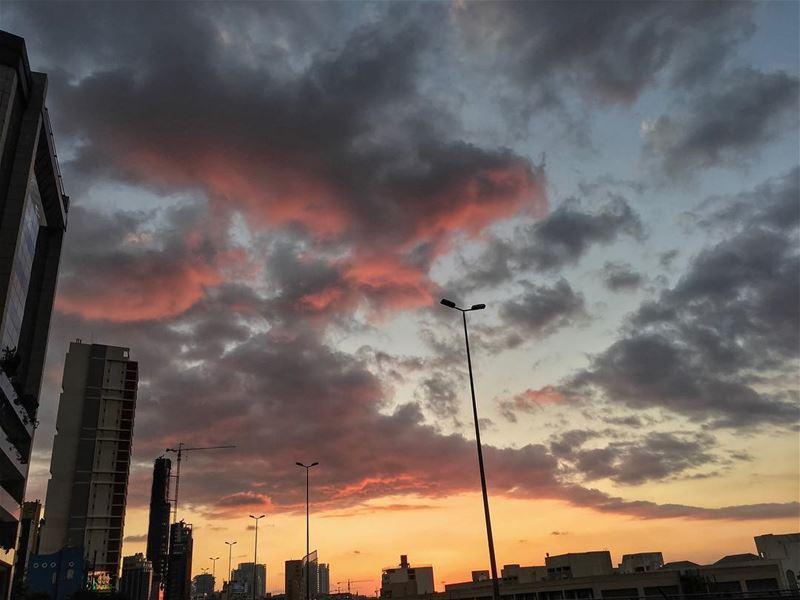 ✨ 𝑩𝒆𝒊𝒓𝒖𝒕 𝑺𝒖𝒏𝒔𝒆𝒕𝒔 ✨~•~•~•~•~•~•~•~•~•~•~•~•~•~•~•~•~•~•~•~•~• (Beirut, Lebanon)