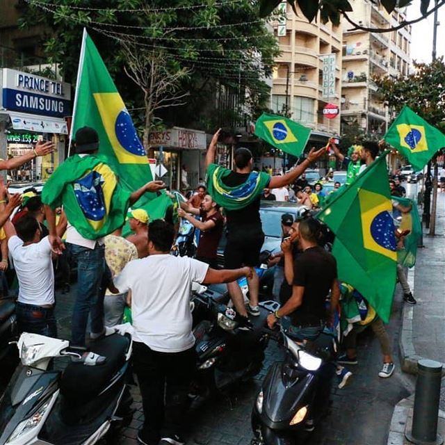 Mabrouk Brasil! Festa brasileira no Líbano 🇱🇧🇧🇷 A Fundação Cristã da... (Hamra, Beyrouth, Lebanon)