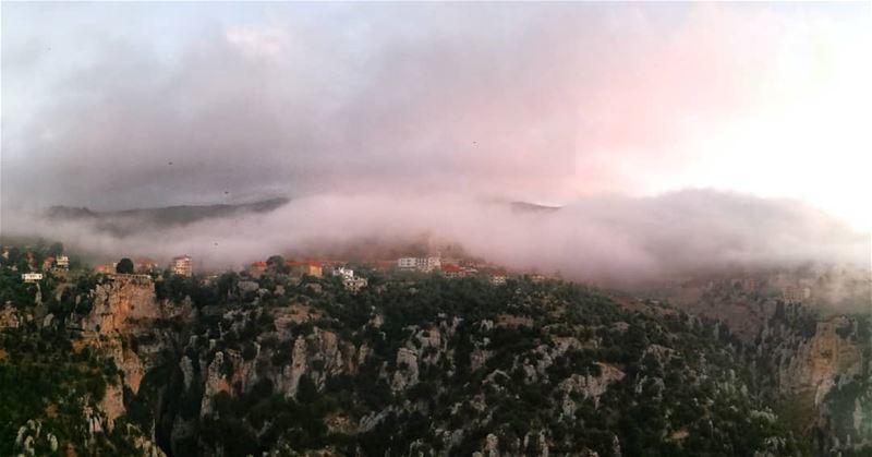 @livelovehasroun@instagram clouds cloud cloudporn weather lookup ...