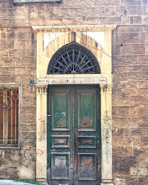 knock knock | who's there?🚪•• ihavethisthingwithbeirut ... (Beirut, Lebanon)