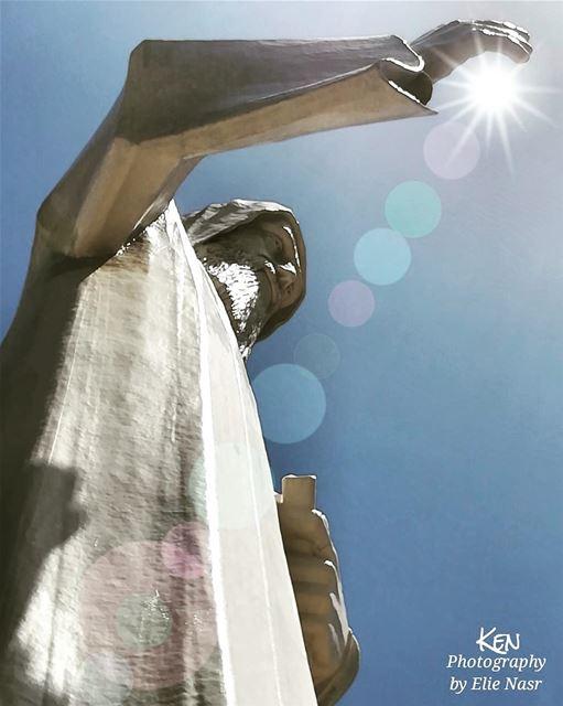 """... """"لا تبدأ شيئاً على الأرض ما لم ينته في السماء"""". القديس_شربل ... (Faraya, Mont-Liban, Lebanon)"""