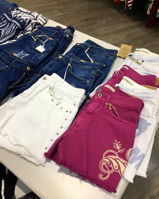 Shorts in many styles and colorsDailySketchLook 351 shopping italian ... (Er Râbié, Mont-Liban, Lebanon)