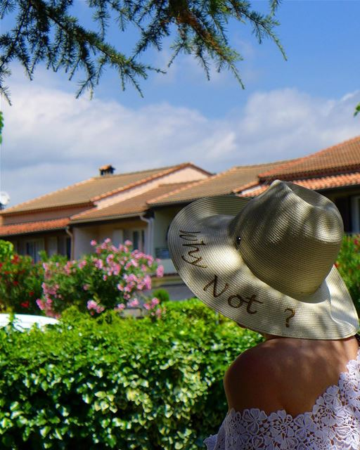 Ah ouiiii! Why NOT?.. mouanssartoux village france cotedazur ... (Mouans-Sartoux)