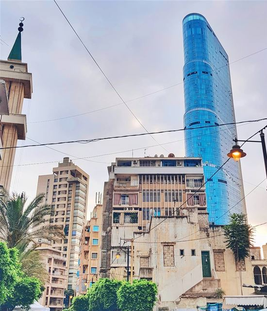 Я честно села писать запрашиваемые темы - маникюр и пенсия в Ливане, но Май (Beirut, Lebanon)