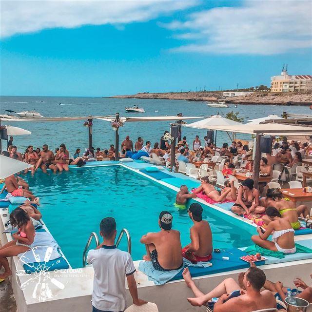 Summer Mood ☀️ 🌊 -- chezfouad restaurant tahetelrih pool lebanon ... (Chez Fouad)
