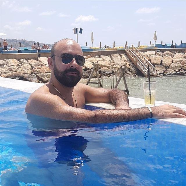 vacation summer lebanon livelovelebanon 2018 drinks champagne friends... (Iris Beach Club)