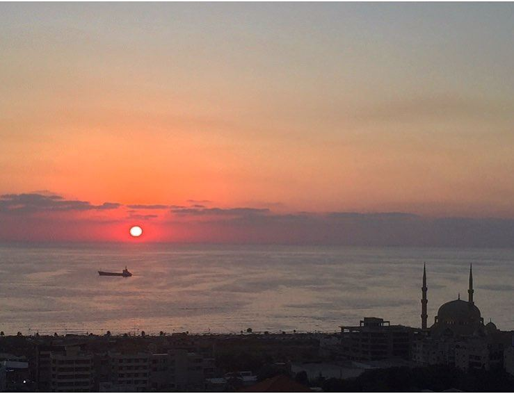 Sunset is always beautiful 🌅.. mylebanon picoftheday lebanon saida... (Saïda, Al Janub, Lebanon)