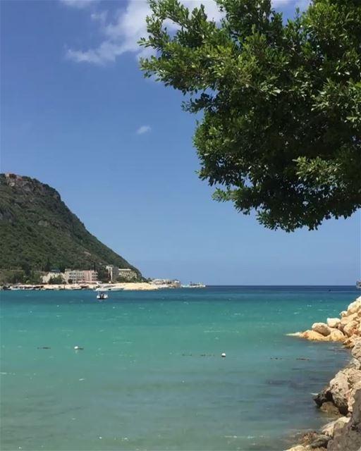 Escondida no litoral norte do Líbano, esta praia é super paradisíaca. A... (El Héri, Liban-Nord, Lebanon)
