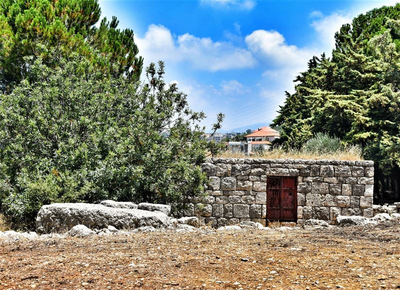 lebanoninapicture ptk_lebanon livelovebeirut insta_lebanon ... (Aïn Aakrîne, Liban-Nord, Lebanon)