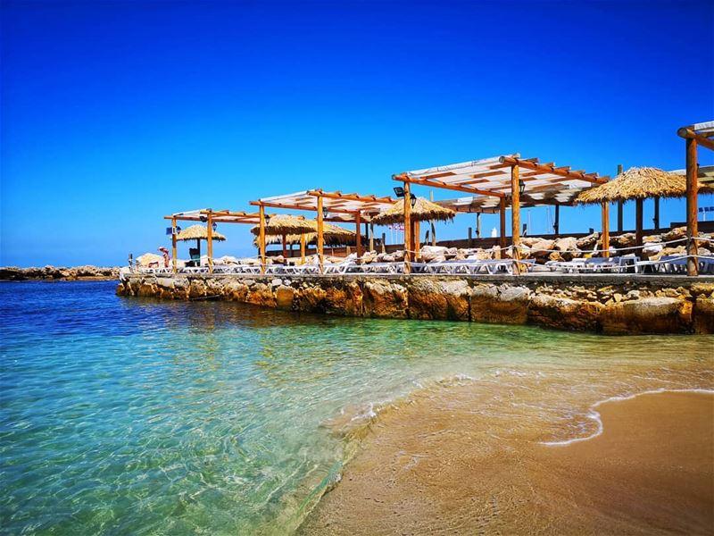 ... It always feels like a Lil piece of paradise 💙........ beach... (Batroûn)