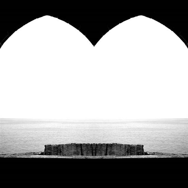 The Phoenician wall.......... travelawesome exploretheglobe ... (Batroûn)