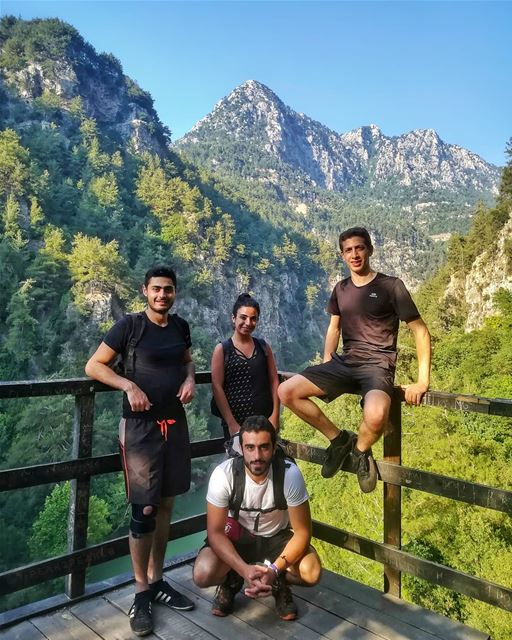 What we all need is a perfect weather a great company and Chouwen.. 🏞️... (Chouwen)