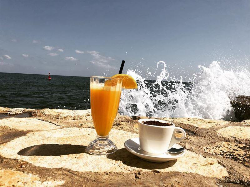 صباح الخير بيروت🌞 بيروت بيروت_مدينتي بحر beirut mycitybeirut ... (Manara Palace Café)