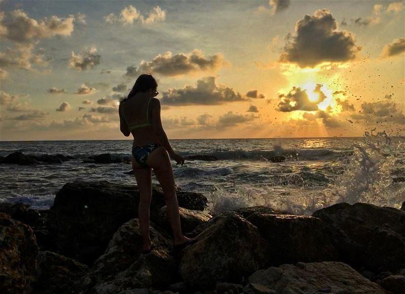 Its a new dawn.its a new day............ sunset beach waves ... (Batroûn)