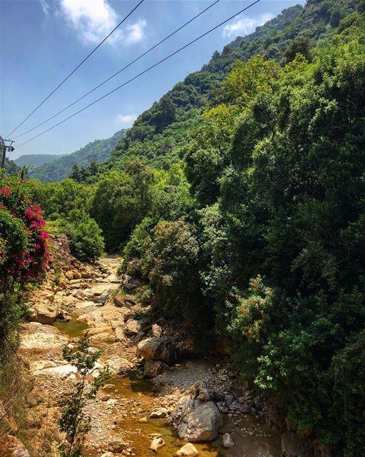An unexpected road 🚞... lebanon jeita beirut lebanon_ig ... (Jeita-Keserwan)