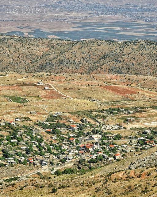 Au delà de la colline, il y a une plaine_____________________ 961lens ... (`Aynata, Béqaa, Lebanon)