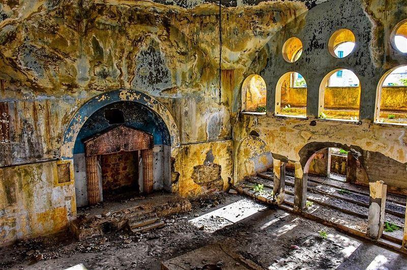 The Bhamdoun Jewish Synagogue 🕍 The Temple was built to serve the prayer... (Bhamdoûn, Mont-Liban, Lebanon)