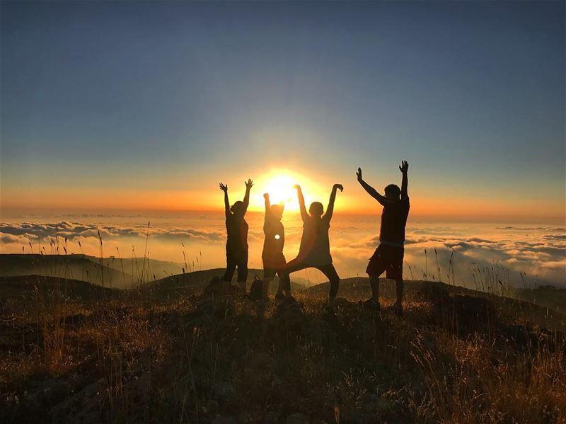 Rituals at sunset ‼️................. lebanon atmosport... (SUN SET)