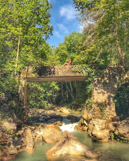 💺 anyone ?.. views viewfromthetop bestviews perfectseat... (Chouène, Mont-Liban, Lebanon)