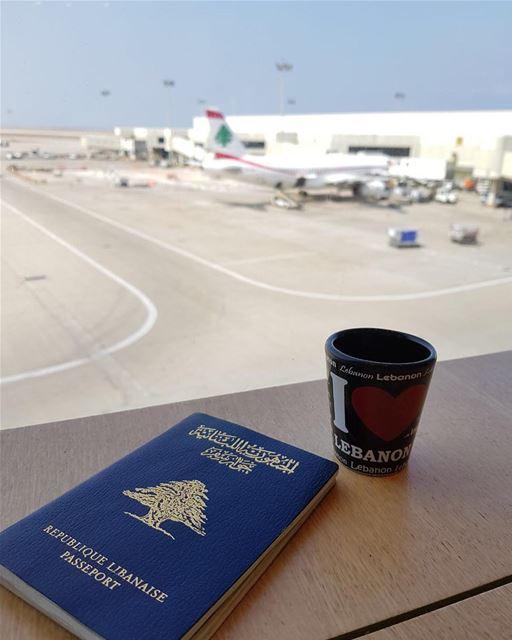 Sabia que com a CidadaniaLibanesa você circula livremente pelo Líbano,... (Beirut–Rafic Hariri International Airport)