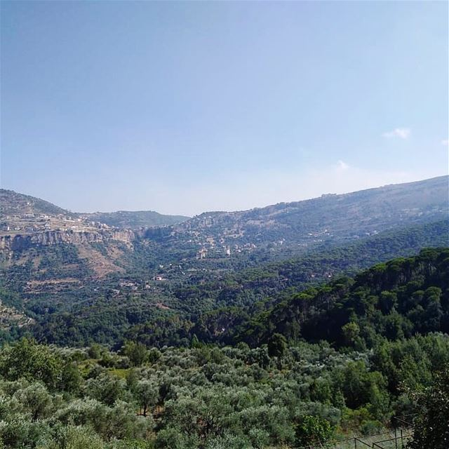منظر بكاسيني..💚🌳————————————————— mountains nature trees sky ... (Bkâssîne, Al Janub, Lebanon)