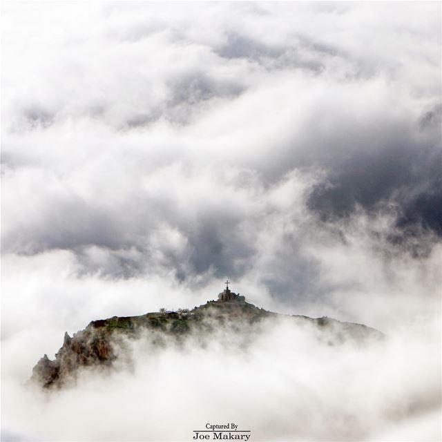 جبل الارز، مسكن الله cedarsofgod cedars livelovecedars clouds fog ...
