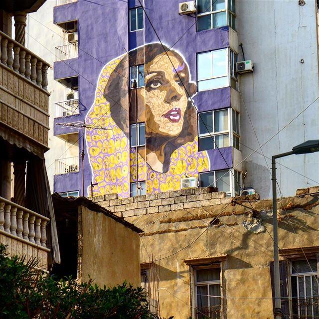 للبيروت من قلببي سلام لبيروت......and suddenly she was standing looking... (وطى المصيطبة)