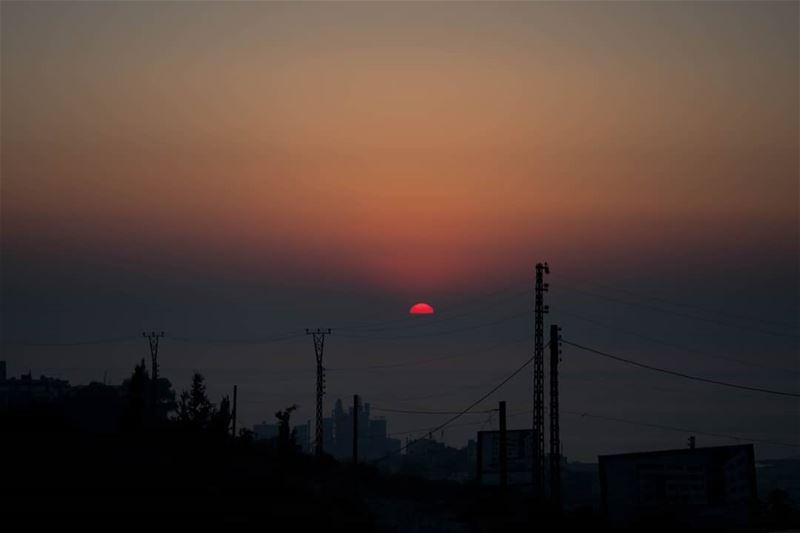 Typical Lebanese sunset 🌞🌞🆙💯 paysage typique du Liban, un coucher... (Beirut, Lebanon)