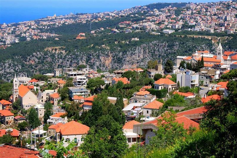 ضيعة القرميد🏘🏡 (Beït Chabâb, Mont-Liban, Lebanon)