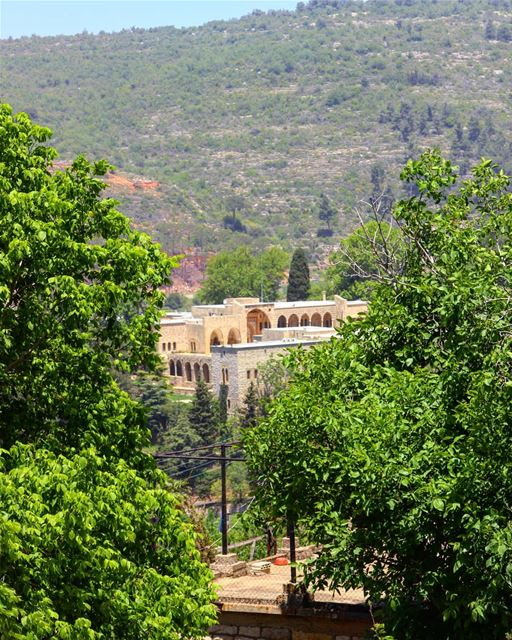 Beautiful morning with a view on Beiteddine palace 🙂💚💚 ........... (Beit Ed-Deen, Mont-Liban, Lebanon)