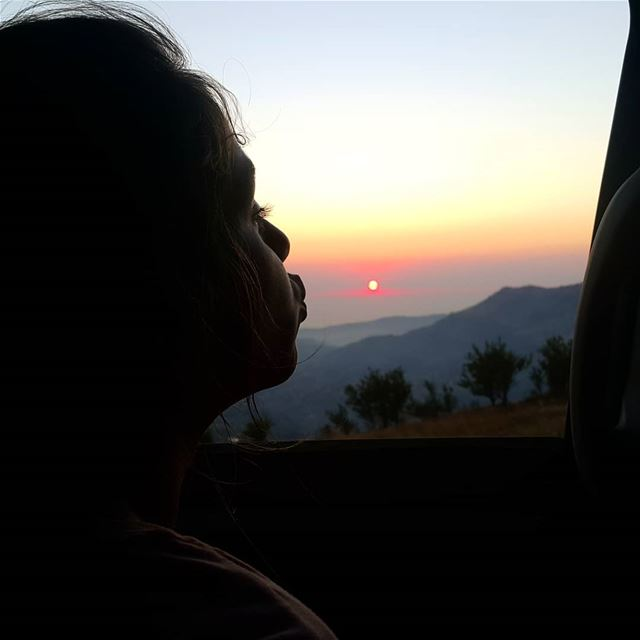 A kiss to the lebanese sun🌞 @tek.cool_ @salomemig ❤ livelovelebanon ... (Sannin, Mont-Liban, Lebanon)