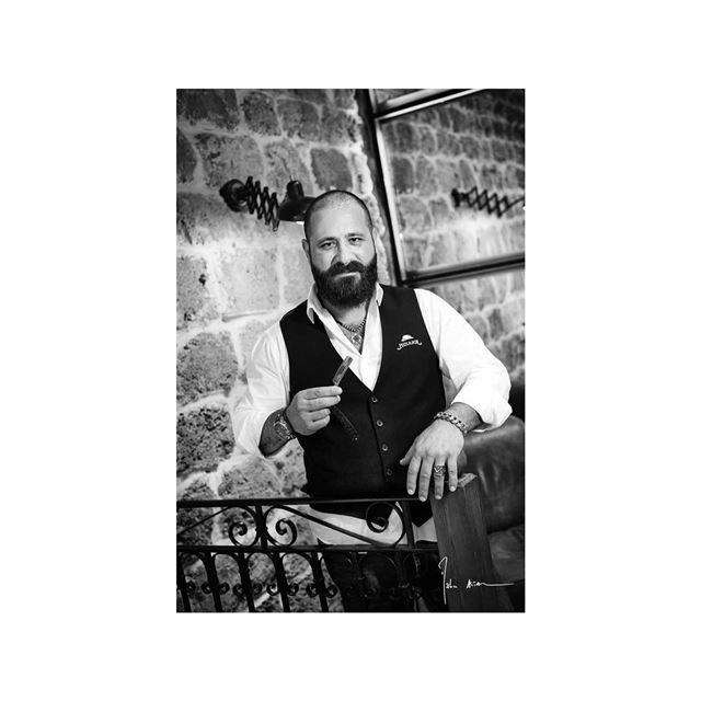Barbers portraits série @philandjoebarbers ..... barber barbershop ... (Phil & Joe Barbers)