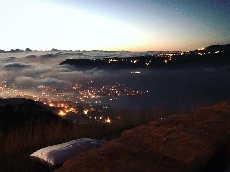 Bientôt🙈@frozencherry.co abovetheclouds landscape night sunset ...