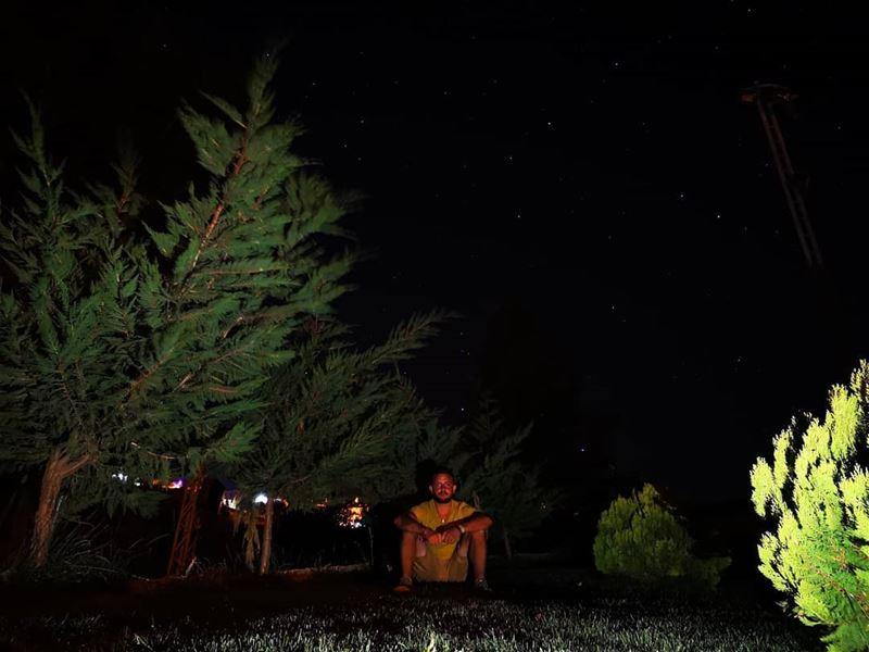 A lit night 🌑... akoura kingsland photography photoshoot stars lit... (Akoura, Mont-Liban, Lebanon)