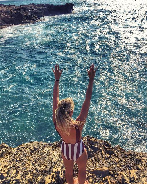 Hello Weekend 💚.. keepdiscovering .. lucyinlebanon👱🏻♀️🇱🇧💚 (Lebanon)