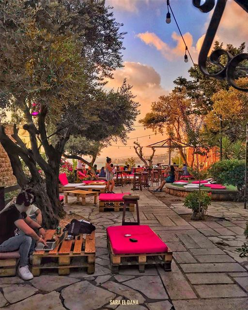 Let's find a beautiful hidden gem to chill at sunset 🌞🍹 (Lebanon)
