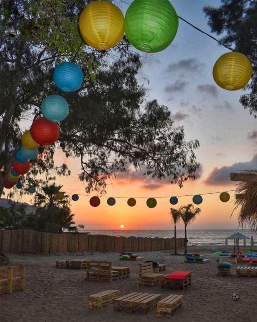 Seek the sun that never sets - Rumi ♥️🌅🎈... (El Héri, Liban-Nord, Lebanon)