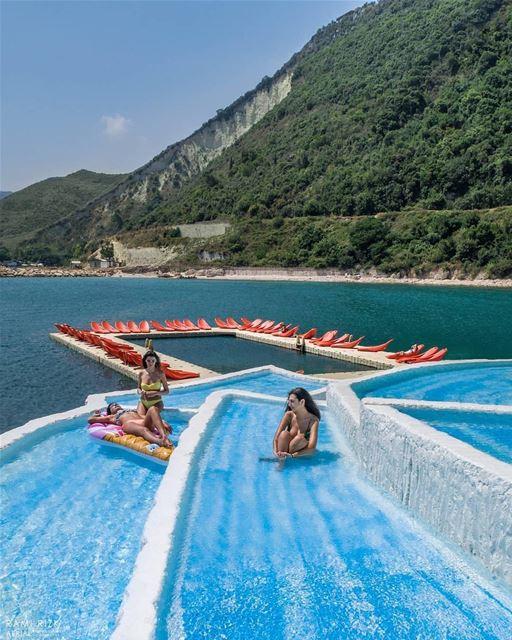 Localizado na costa ensolarada de Chekka, no norte do Líbano, o Rocca... (Rocca Marina)