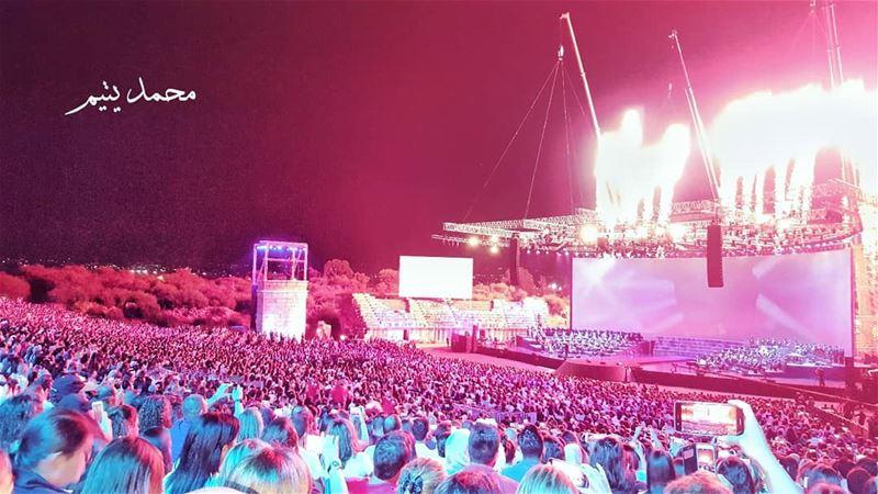 ١٣٠٠٠ ألف منحبك جوليا_بطرس ❤ من حفل جوليا في مدينة صور جنوب لبنان ❤... (Tyre, Lebanon)