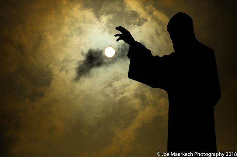 ختيار عنّايا... annaya st_charbel monk lebanesesaints lebanon clouds...