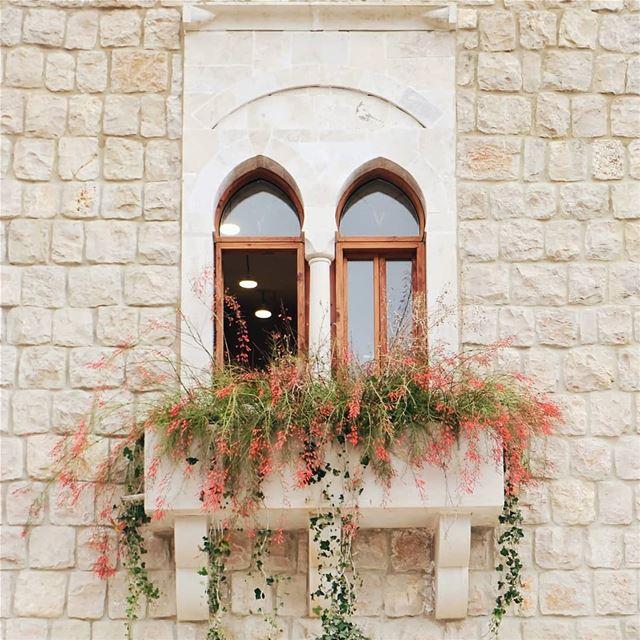 Mandaloun .... mandaloun architecture livelovearchitecture ... (Bkerzay)