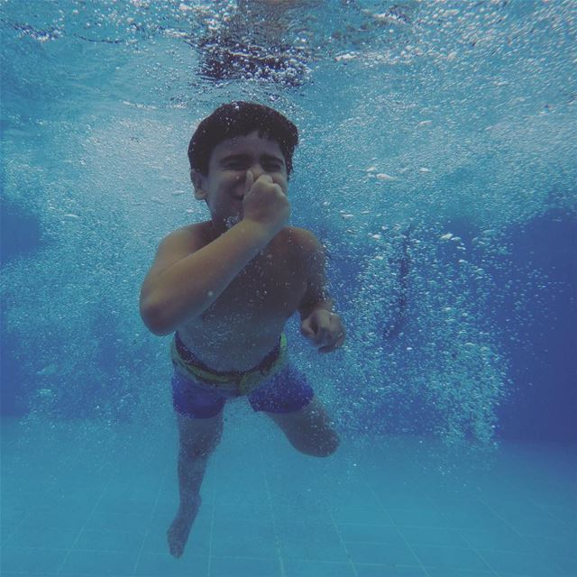 My 📷 is always ON even underwater 😇💙 adonaykrikita myson mycrazyson ... (Lebanon)